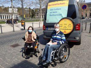 Dr. Sigrid Arnade im Gespräch mit Rika Esser am Mehr Barrierefreiheit Wagen